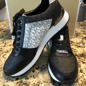 MICHAEL KORS Billie Trainer Sneakers  9.5
